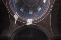 Cerkiew w Starych Oleszycach . Kopuła i ściana prezbiterium.