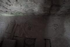 Płyty nagrobne w  posadzce prezbiterium. Dawny kościół  św.Michała Archanioła Okrzeszyn