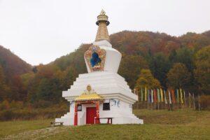 Stupa. Gompa w Darnkowie