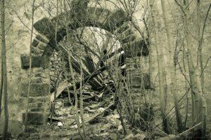Ruiny schroniska Kesselschlossbaude (później Ośrodek ZHP Zameczek )