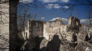 Zamek Owiesno - ruiny