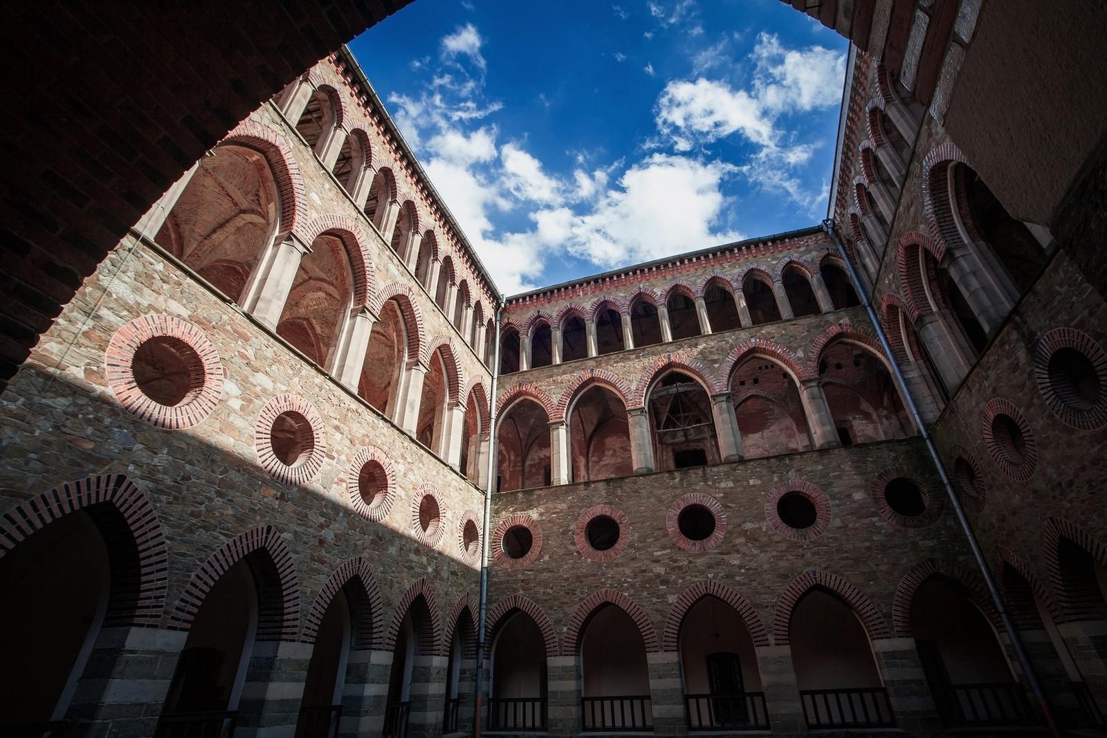 Dziedziniec wewnetrzny pałacu Marianny Orańskiej
