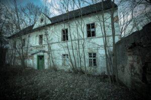 Tu już nikt nie mieszka - dom w P.