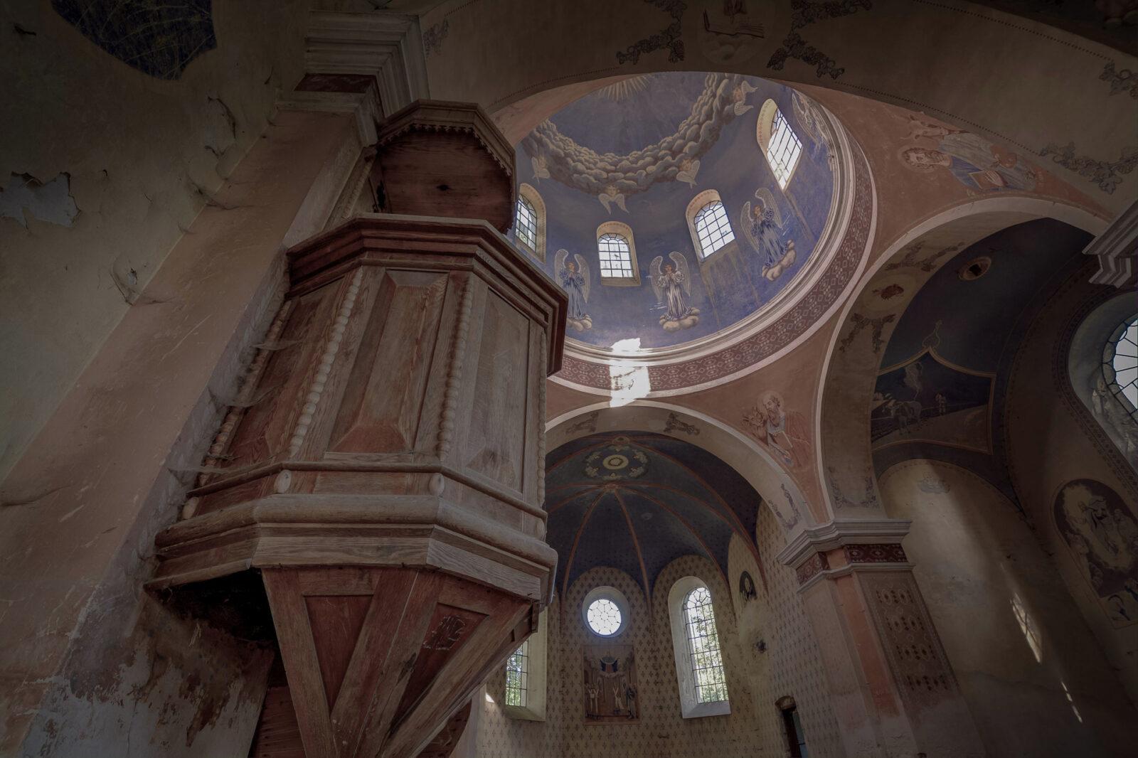 Ambona - cerkiew w Starych Oleszycach