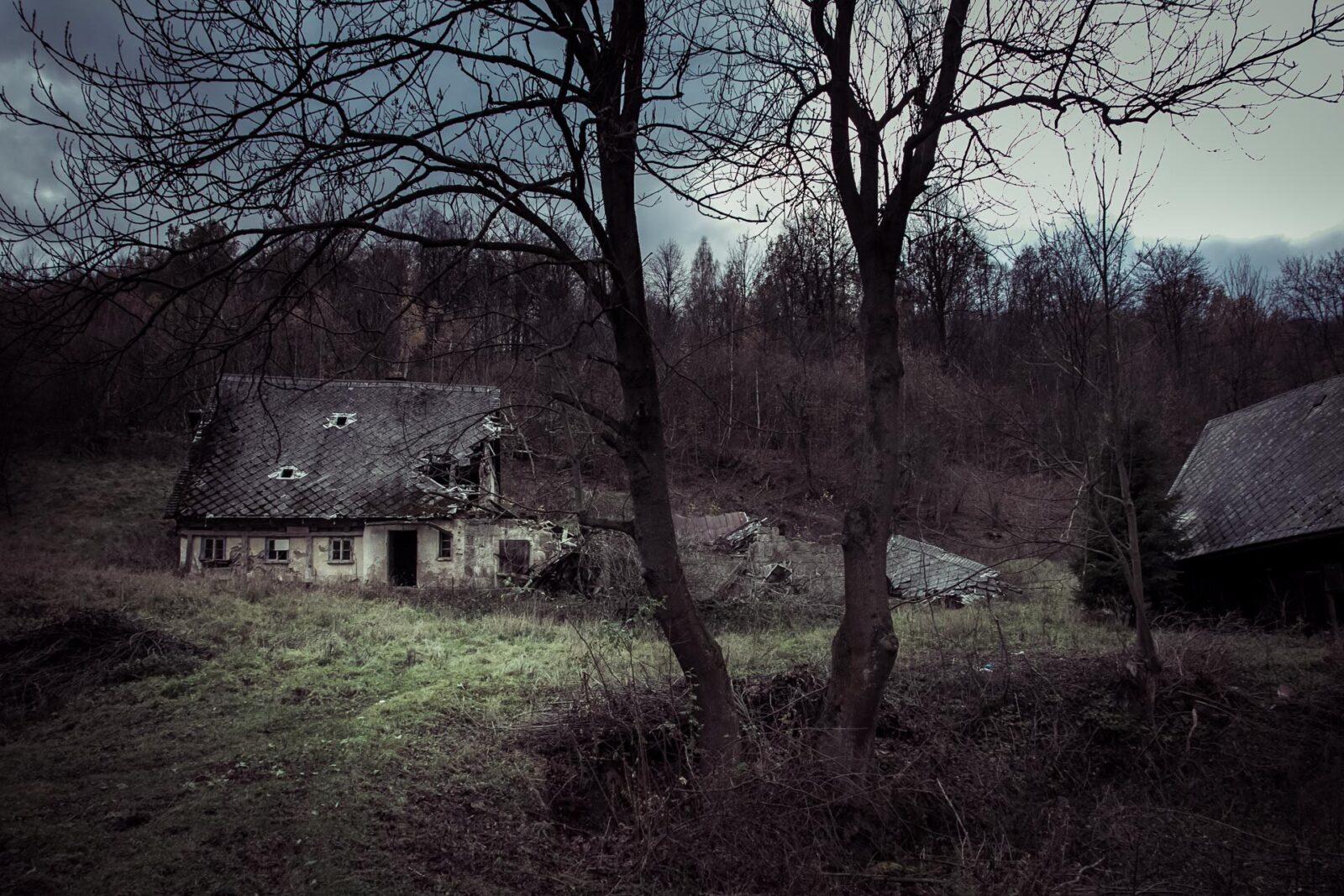 Tu już nikt niemieszka - dom wRudawach Janowickich