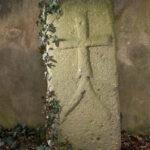 Świerzawa - kamień zrytem krzyża