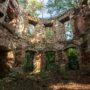 Zespół klasztornych ruin wlesie nastokach Twardziela. Zapomniane Szymonki (Simonishaüser)
